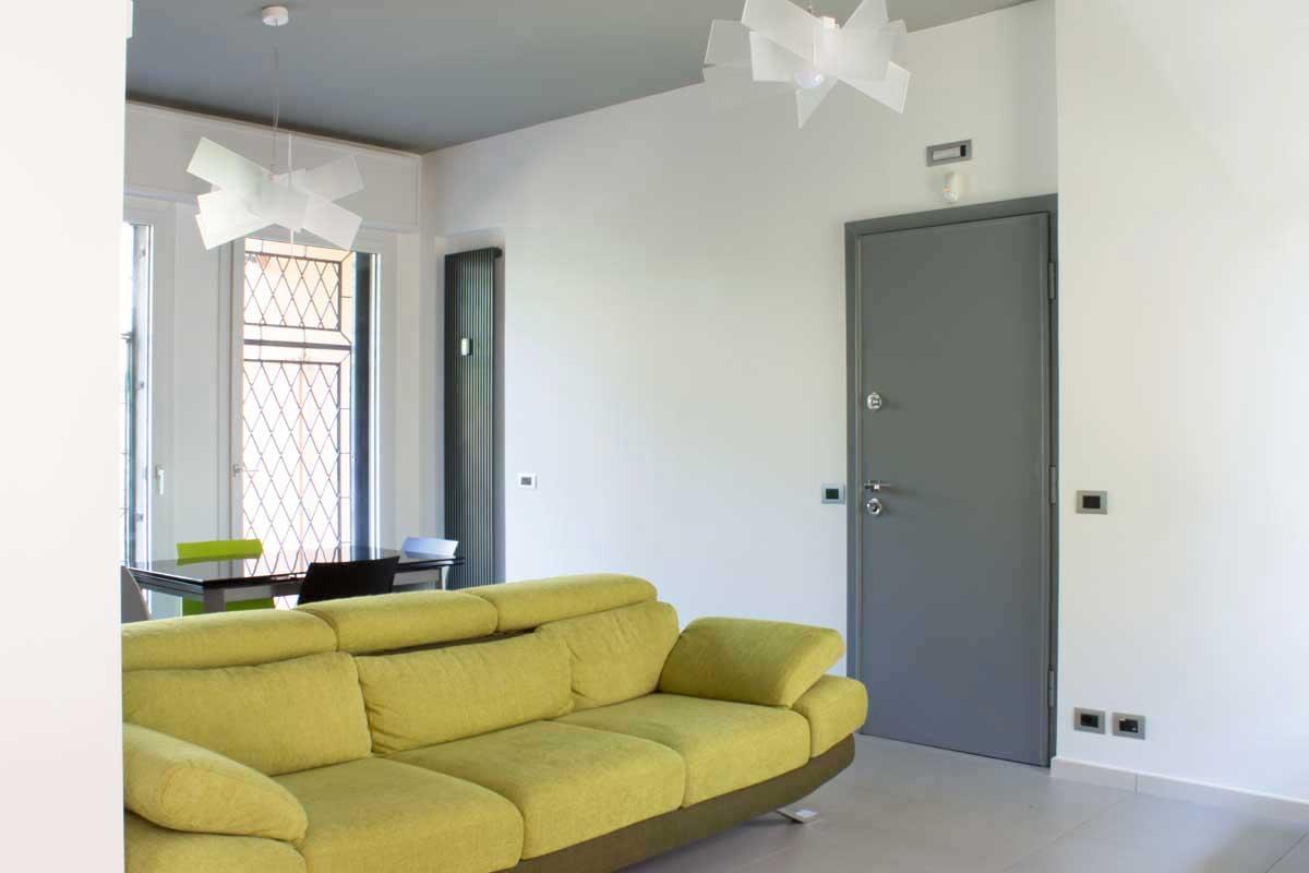 Ristrutturazione di appartamento in villetta trifamiliare